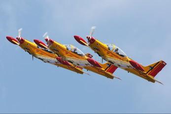"ST-32 - Belgium - Air Force ""Hardship Red"" SIAI-Marchetti SF-260"
