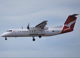 VH-TQY - QantasLink de Havilland Canada DHC-8-300Q Dash 8