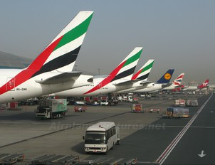 A6-EMR - Emirates Airlines Boeing 777-300