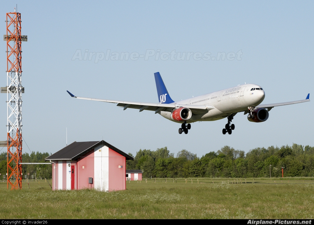 SAS - Scandinavian Airlines LN-RKH aircraft at Copenhagen Kastrup