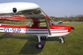 OY-SUP - Private Cessna 150