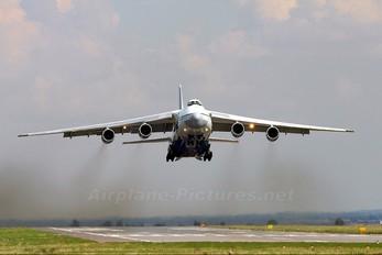 RA-82014 - Polet Flight Antonov An-124