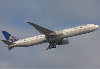 N66057 - Continental Airlines Boeing 767-400ER