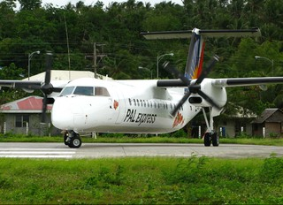 RP-C3016 - Philippines Airlines Express de Havilland Canada DHC-8-300Q Dash 8
