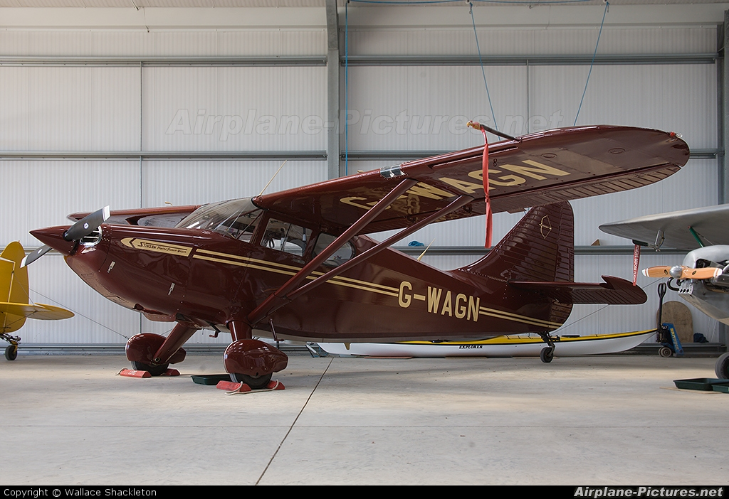 Private G-WAGN aircraft at Thornhill