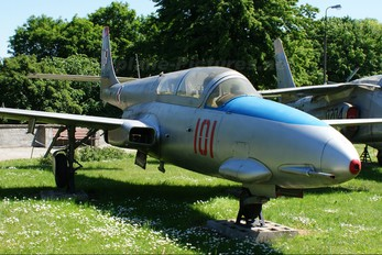 101 - Museum of Polish Army PZL TS-11 Iskra