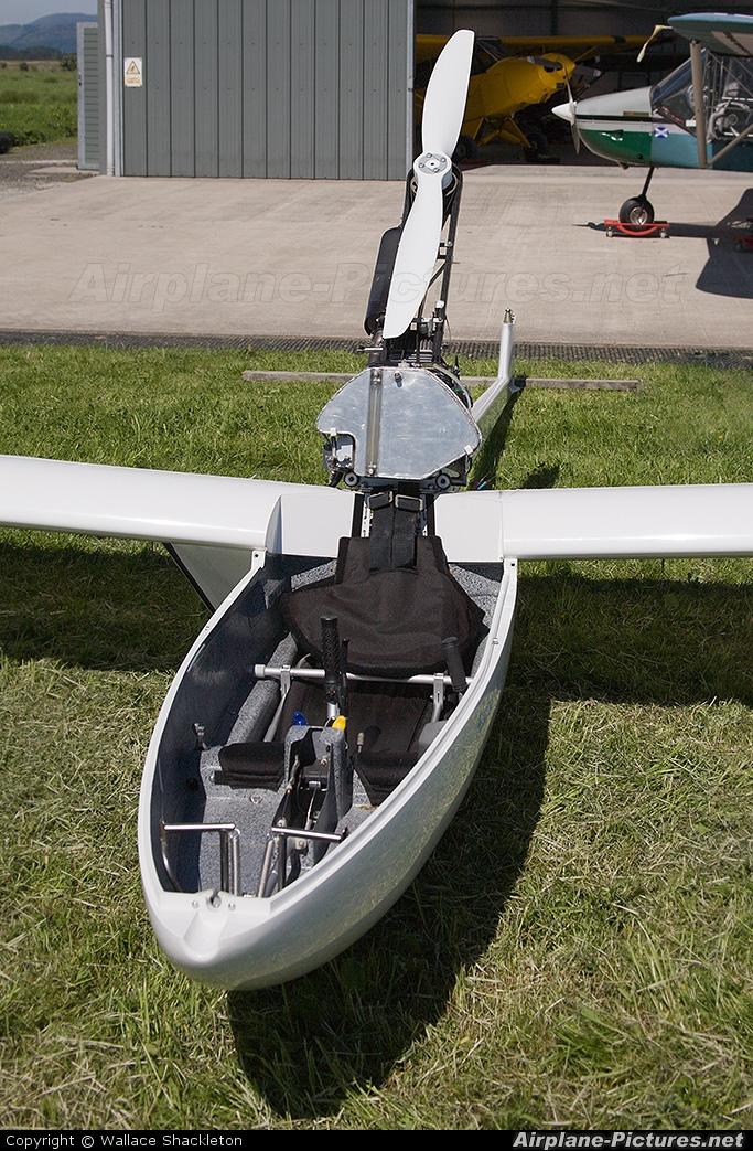Private G-CFSN aircraft at Thornhill