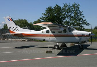 F-GICJ - Private Cessna 210 Centurion