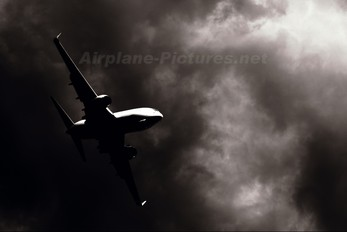 - - WestJet Airlines Boeing 737-700