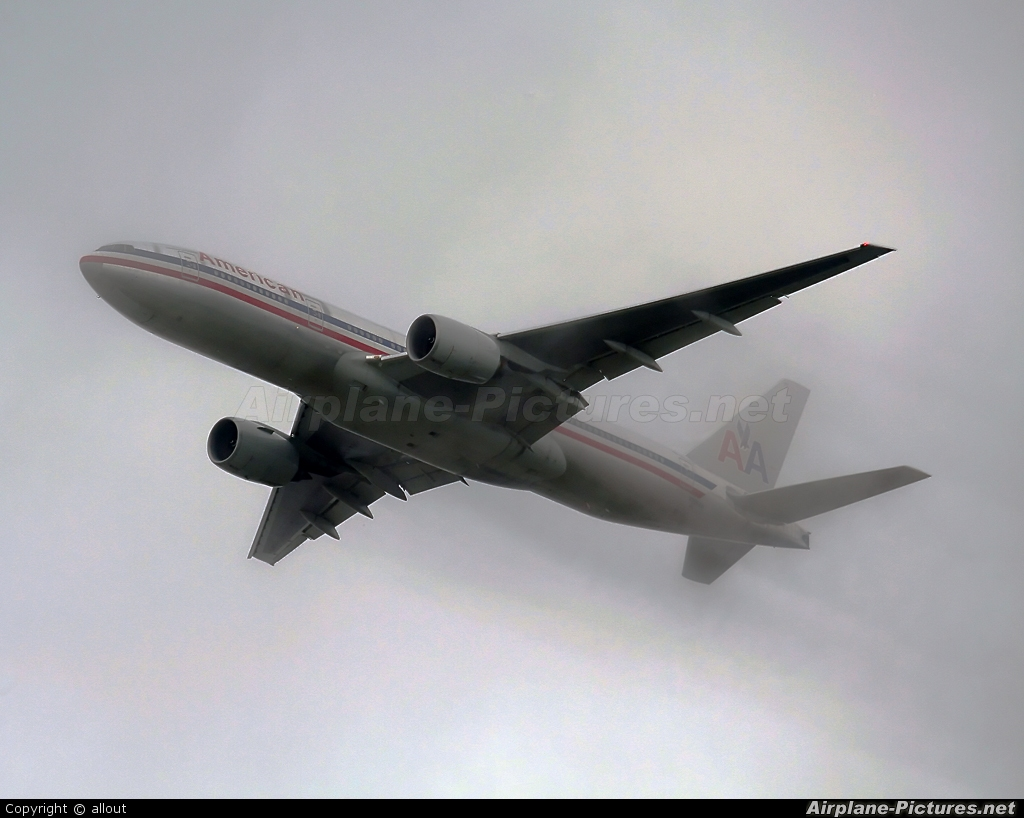 American Airlines - aircraft at London - Heathrow