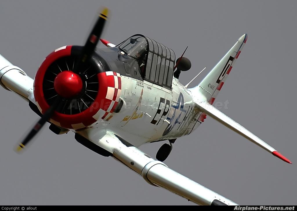 Private G-ELMH aircraft at Breighton
