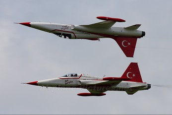 70-3016 - Turkey - Air Force : Turkish Stars Canadair NF-5A