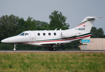 I-NGIR - Private Hawker Beechcraft 390 Premier