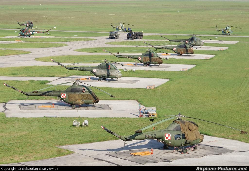Poland - Army 6922 aircraft at Inowrocław - Latkowo