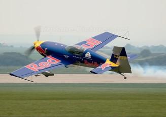 HA-RED - The Flying Bulls : Aerobatics Team Extra 300S, SC, SHP, SR