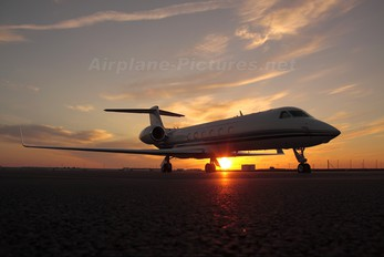 N77CP - Private Gulfstream Aerospace G-V, G-V-SP, G500, G550