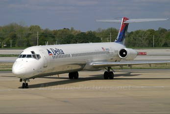 N988DL - Delta Air Lines McDonnell Douglas MD-88