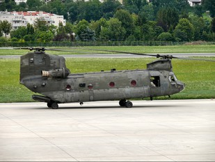 - - USA - Army Boeing CH-47D Chinook