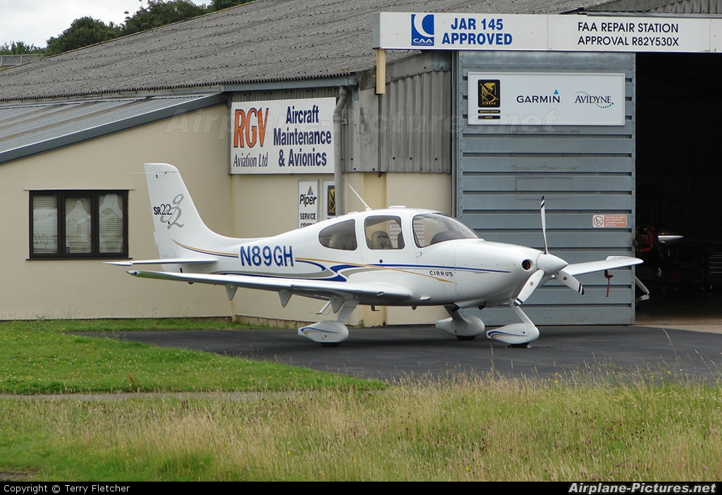 Private N89GH aircraft at Gloucestershire (Staverton)