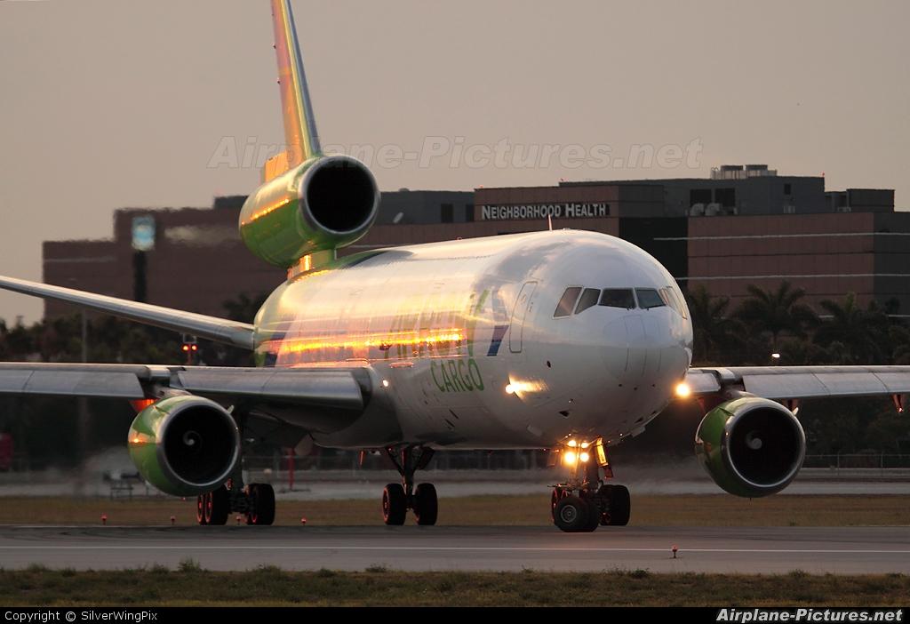 Arrow Cargo N450ML aircraft at Miami Intl