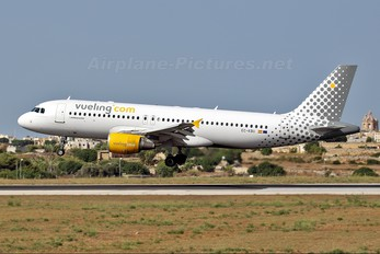 EC-KBU - Vueling Airlines Airbus A320