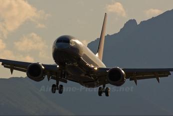 OE-LNQ - Lauda Air Boeing 737-800