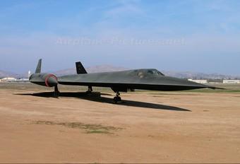 64-17975 - USA - Air Force Lockheed SR-71A Blackbird
