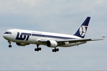 SP-LPF - LOT - Polish Airlines Boeing 767-300ER