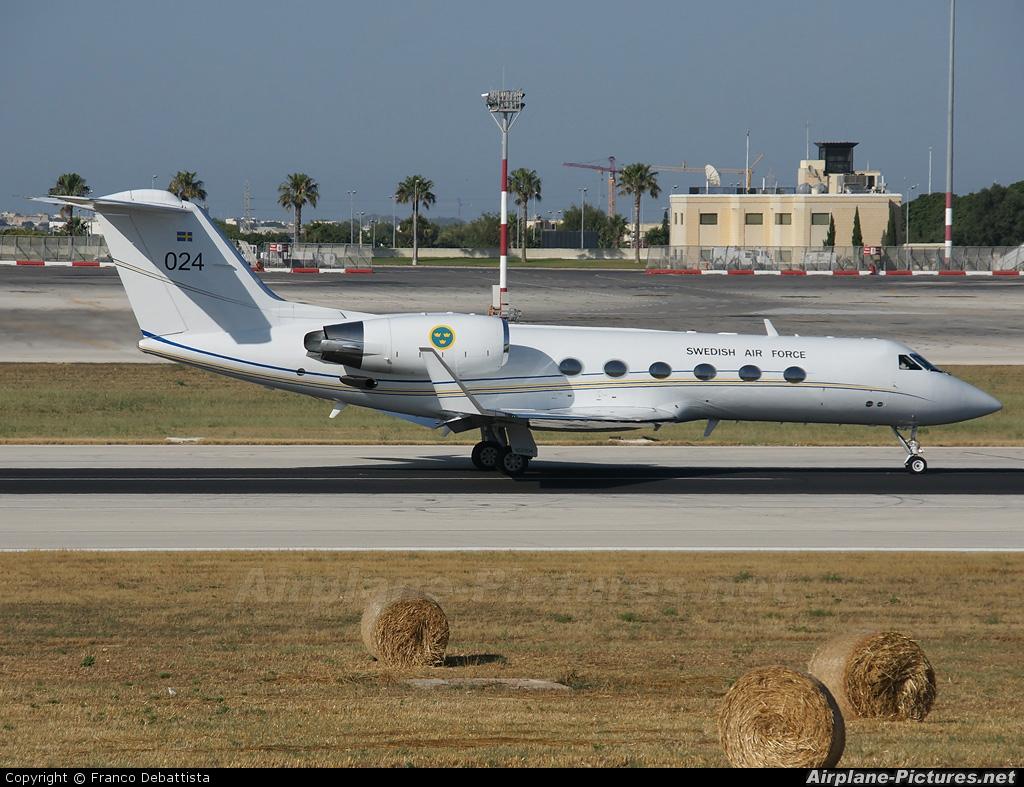 102004 Sweden Air Force Gulfstream Aerospace Tp102A at Malta Intl Photo ID 55767