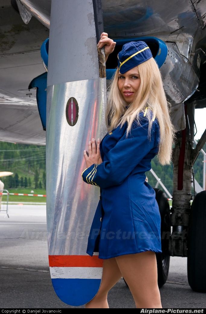 - Aviation Glamour - aircraft at Samedan - Engadin