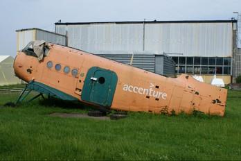 - - Aeroklub Warszawski Antonov An-2