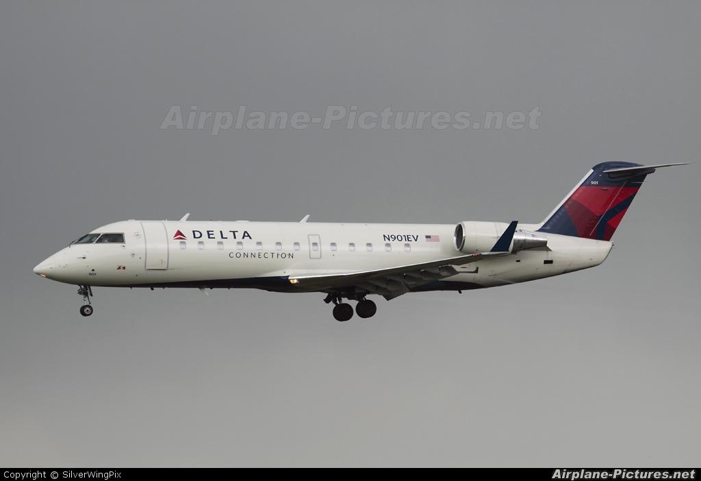Arr Crj 700 Cl 600 2c10 Delta Connection Skywest