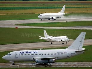 OM-RAN - Air Slovakia Boeing 737-200