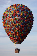 G-UPOI - Exclusive Ballooning Cameron Special shape - TR-81 S1