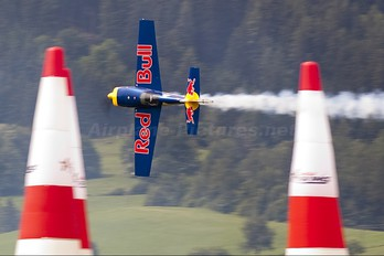 HA-RED - The Flying Bulls : Aerobatics Team Extra 300S, SC, SHP, SR