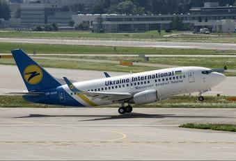 UR-GAK - Ukraine International Airlines Boeing 737-500