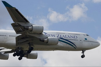 ZK-SUJ - Air New Zealand Boeing 747-400