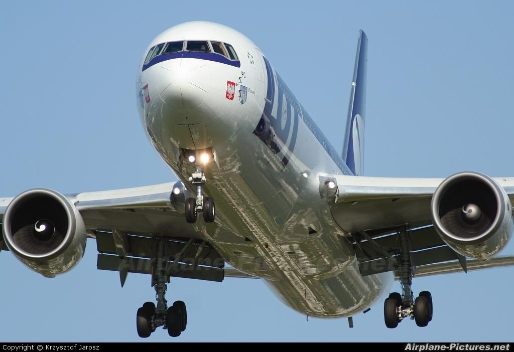 LOT - Polish Airlines SP-LPC aircraft at Warsaw - Frederic Chopin