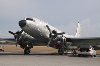 N587MB - Private Douglas C-117