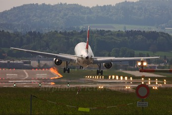 HB-IJL - Swiss Airbus A320