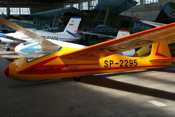 SP-2295 - Private PZL SZD-22 Mucha