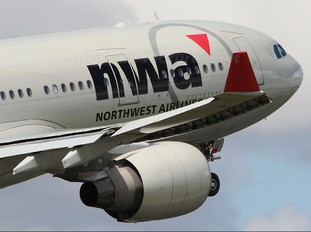 N859NW - Northwest Airlines Airbus A330-200