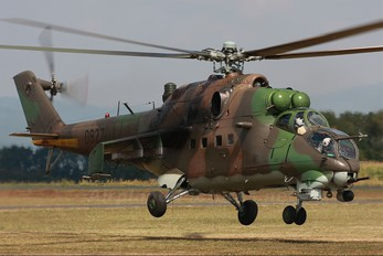 0927 - Slovakia -  Air Force Mil Mi-24V