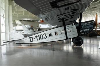 D-1103 - Lufthansa Dornier Merkur