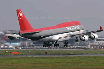N665US - Northwest Airlines Boeing 747-400