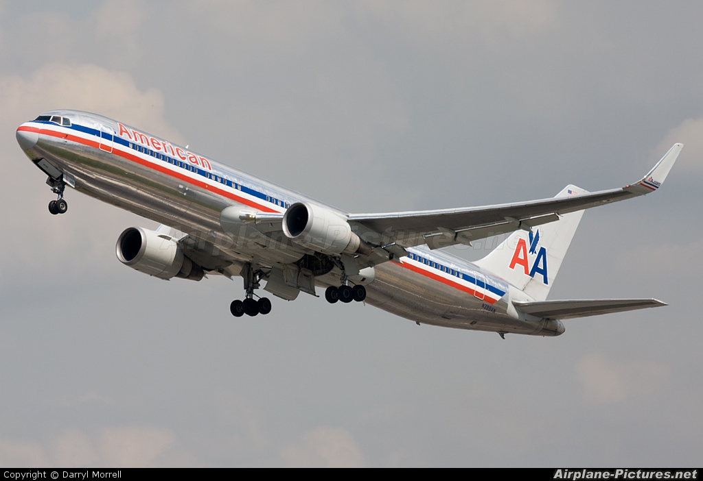 American Airlines N399AN aircraft at London - Heathrow