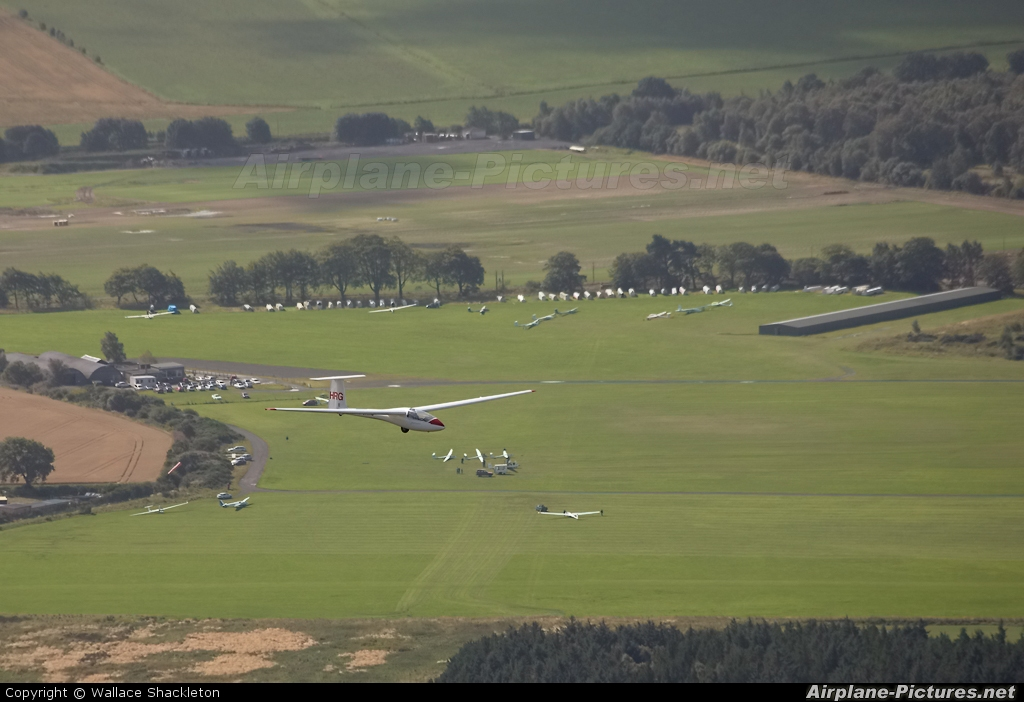 - Airport Overview - aircraft at Portmoak