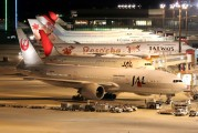 JA702J - JAL - Japan Airlines Boeing 777-200ER aircraft