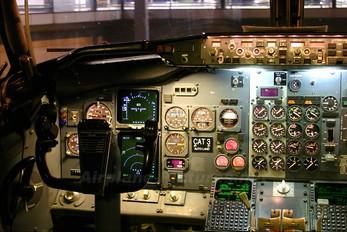 - - Unknown Boeing 737-400
