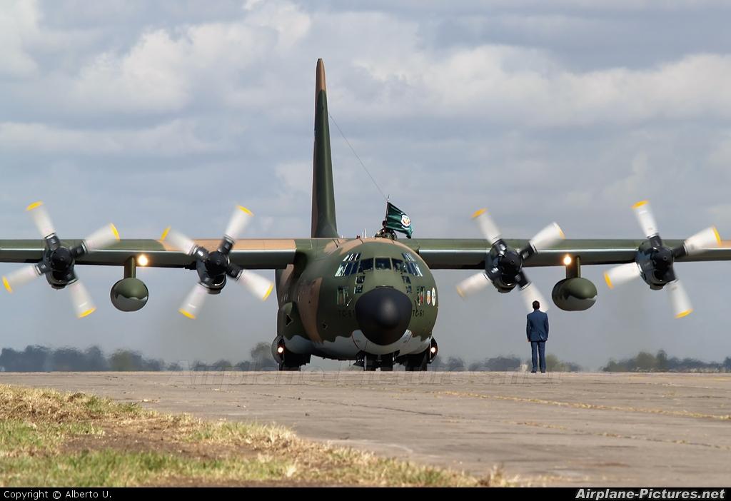 Elicottero Hercules : Tc argentina air force lockheed c h hercules at